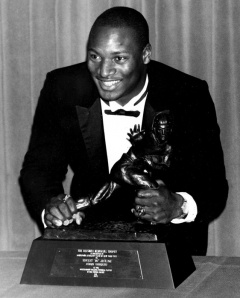 Bo Jackson win the Heisman.